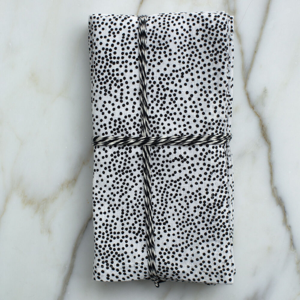 DOTS DINNER NAPKINS