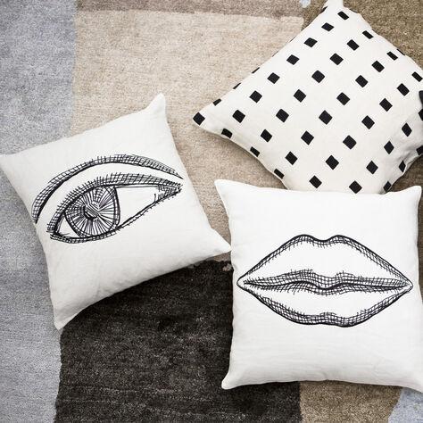 KISS PILLOW - WHITE