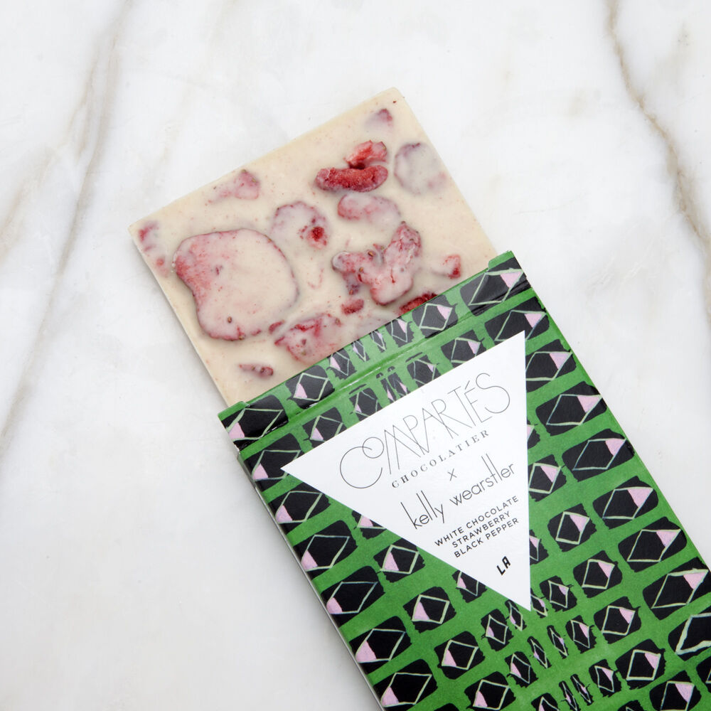 http://www.kellywearstler.com/dw/image/v2/AAJB_PRD/on/demandware.static/-/Sites-kw-master-catalog/default/v1513268192057/images/choc15015/choc15015_color.as_view.1.jpg?sw=1000&sh=1000