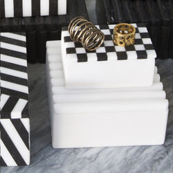 LAUREL RIBBED BOX SQUARE - ABS BLACK