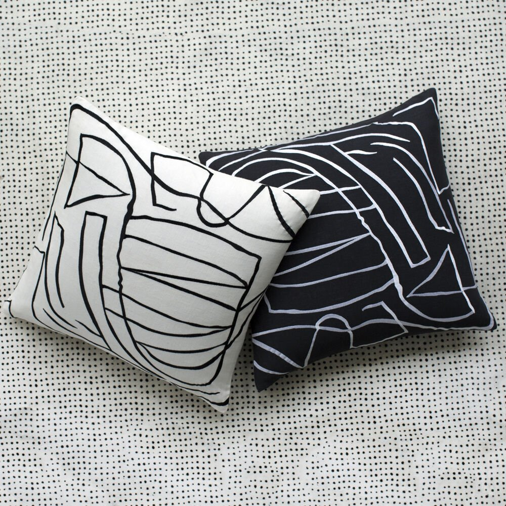 GRAFFITO PILLOW EMBROIDERED - WHITE