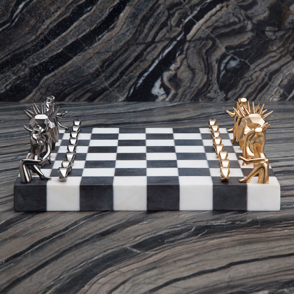 DICHOTOMY CHESS SET
