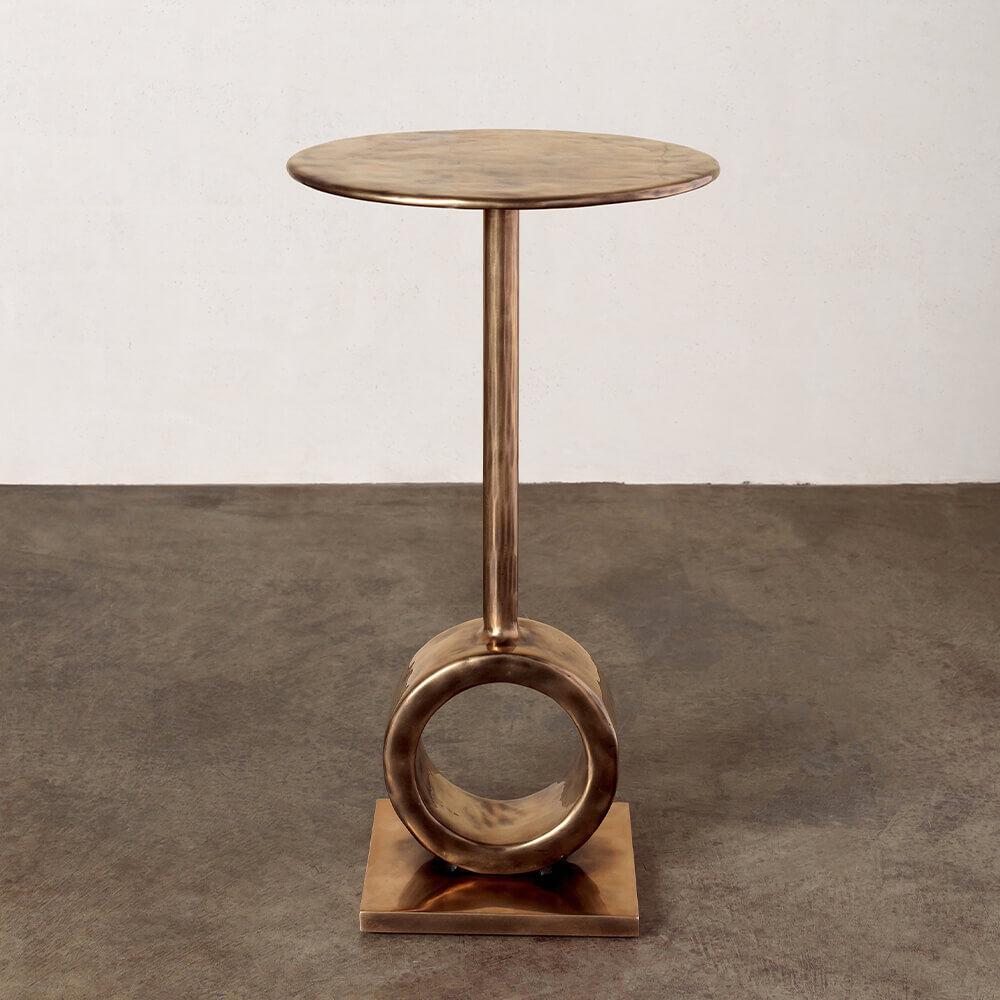 ARMATO SIDE TABLE