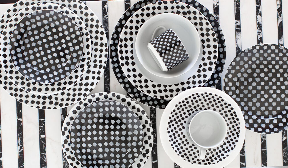 Dots Dinnerware Set