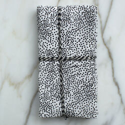 DOTS DINNER NAPKINS - BLACK