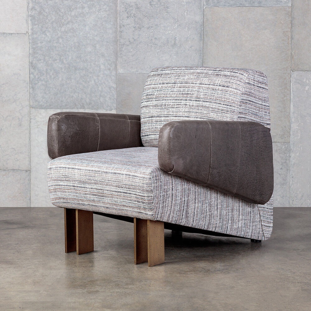 ZEPHYR CLUB CHAIR