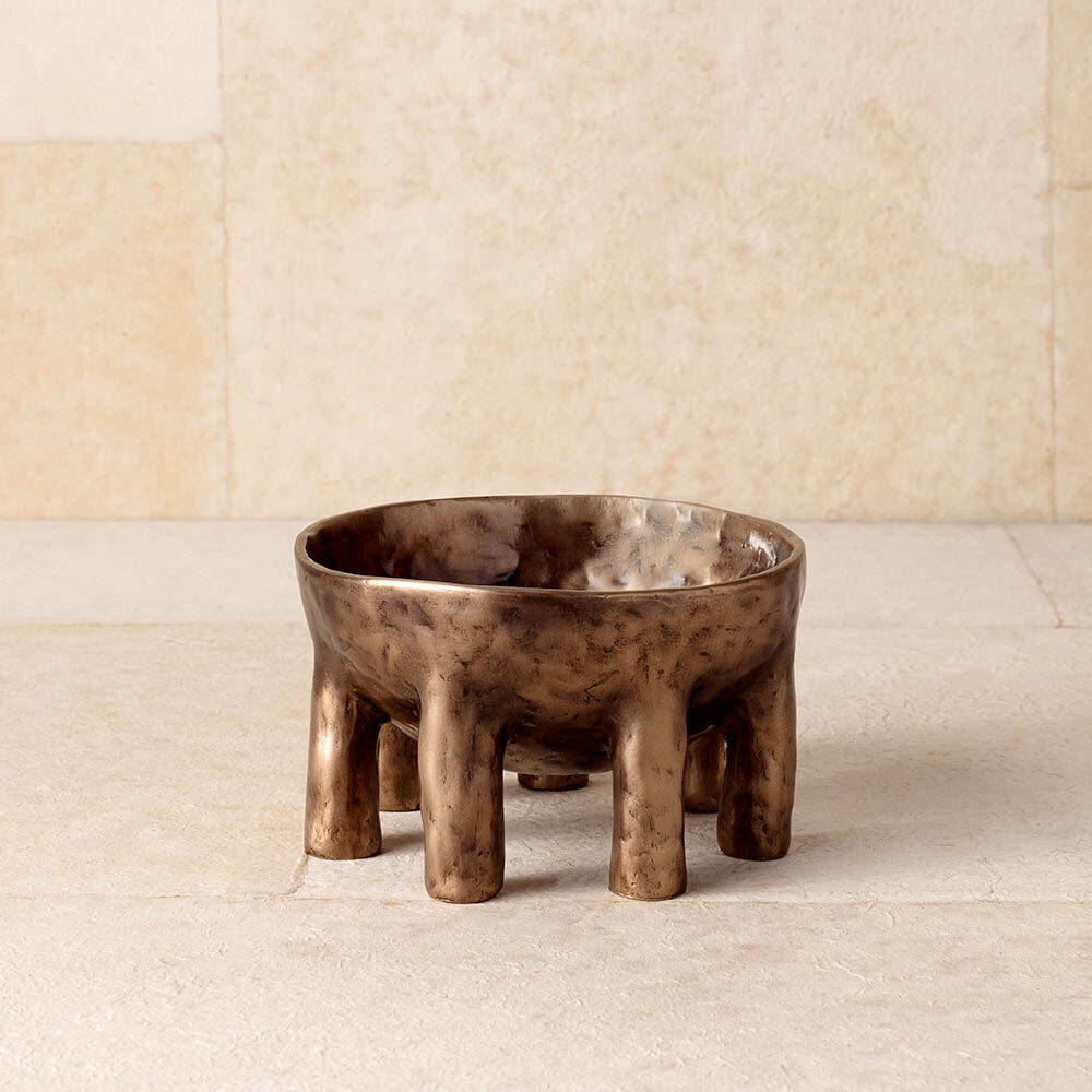 https://www.kellywearstler.com/dw/image/v2/AAJB_PRD/on/demandware.static/-/Sites-kw-master-catalog/default/v1574397286569/images/HDC0201/HDC0201_view.1.jpg?sw=1000&sh=1000