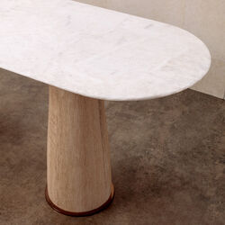 CAMDEN SVELTE TABLE