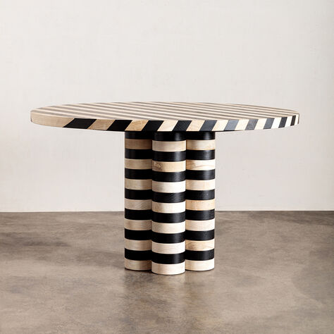 OBLIQUE ROUND DINING TABLE